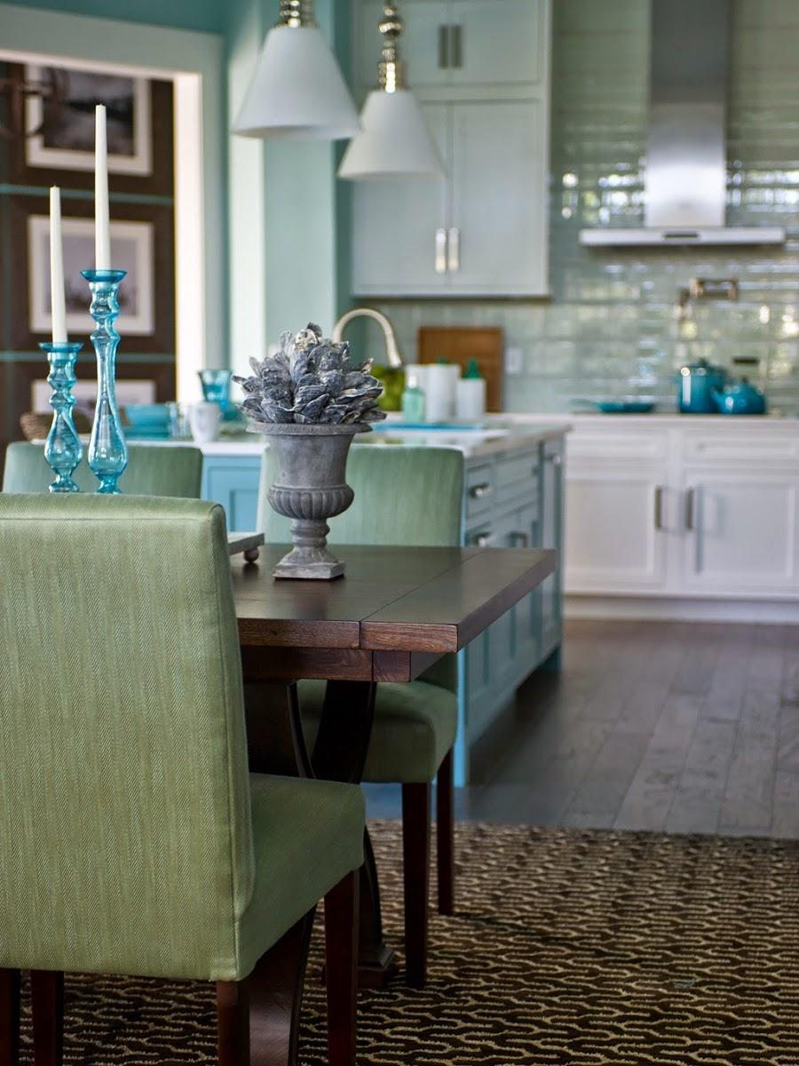 dom, wnętrza, mieszkanie, wystrój wnętrz, home decor, aranżacje, dekoracje, kuchnia, jadalnie, wyspa kuchenna, błękit, turkus, mięta, szarości, stół