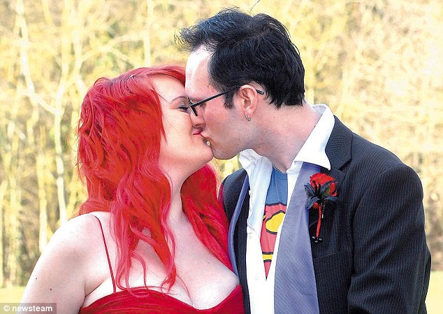 Couple Wedding Planning Ideas in Comic Theme Unique Wedding