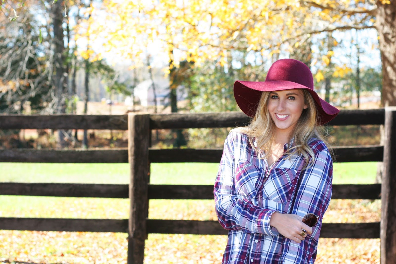 cute-and-casual-fall-picture-with-a-farm-and-yellow-leaves