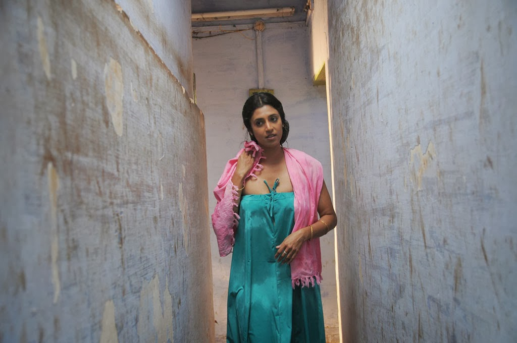 Kerala Aunty Kasthuri Bathroom Stills