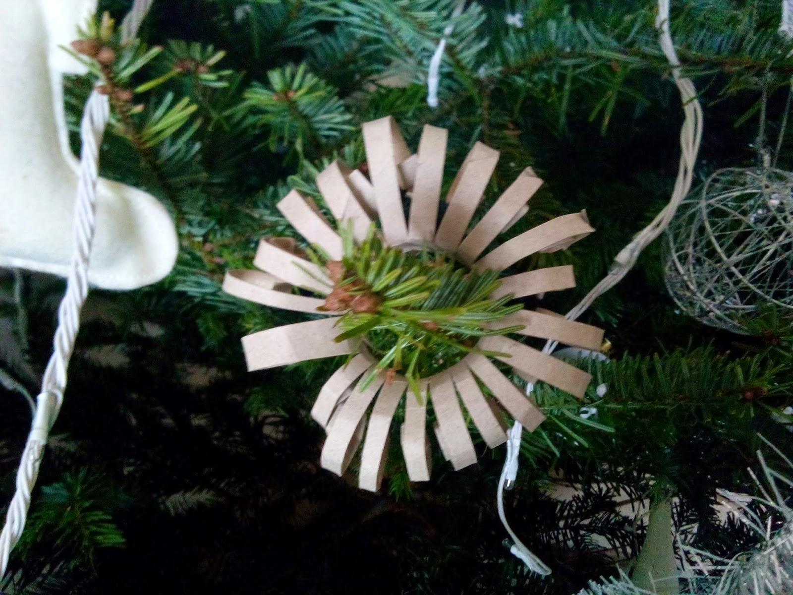 #614B34 Maman .je Sais Pas Quoi Faire ! ! ! : Déco De Noël  5647 idée déco noel avec rouleau papier toilette 1600x1200 px @ aertt.com