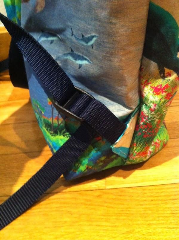 coser asas en una mochila