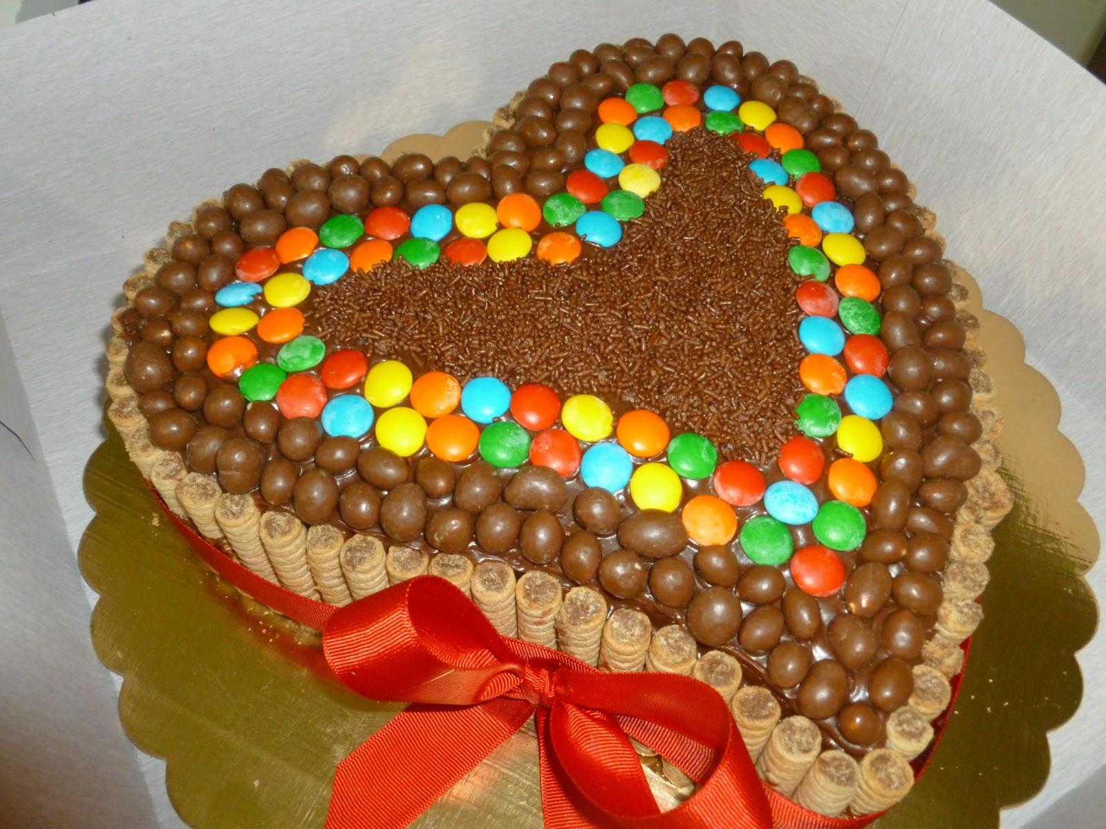 Torta con Pirulin; Dandi y Ping Pong - Tortas y Gelatinas