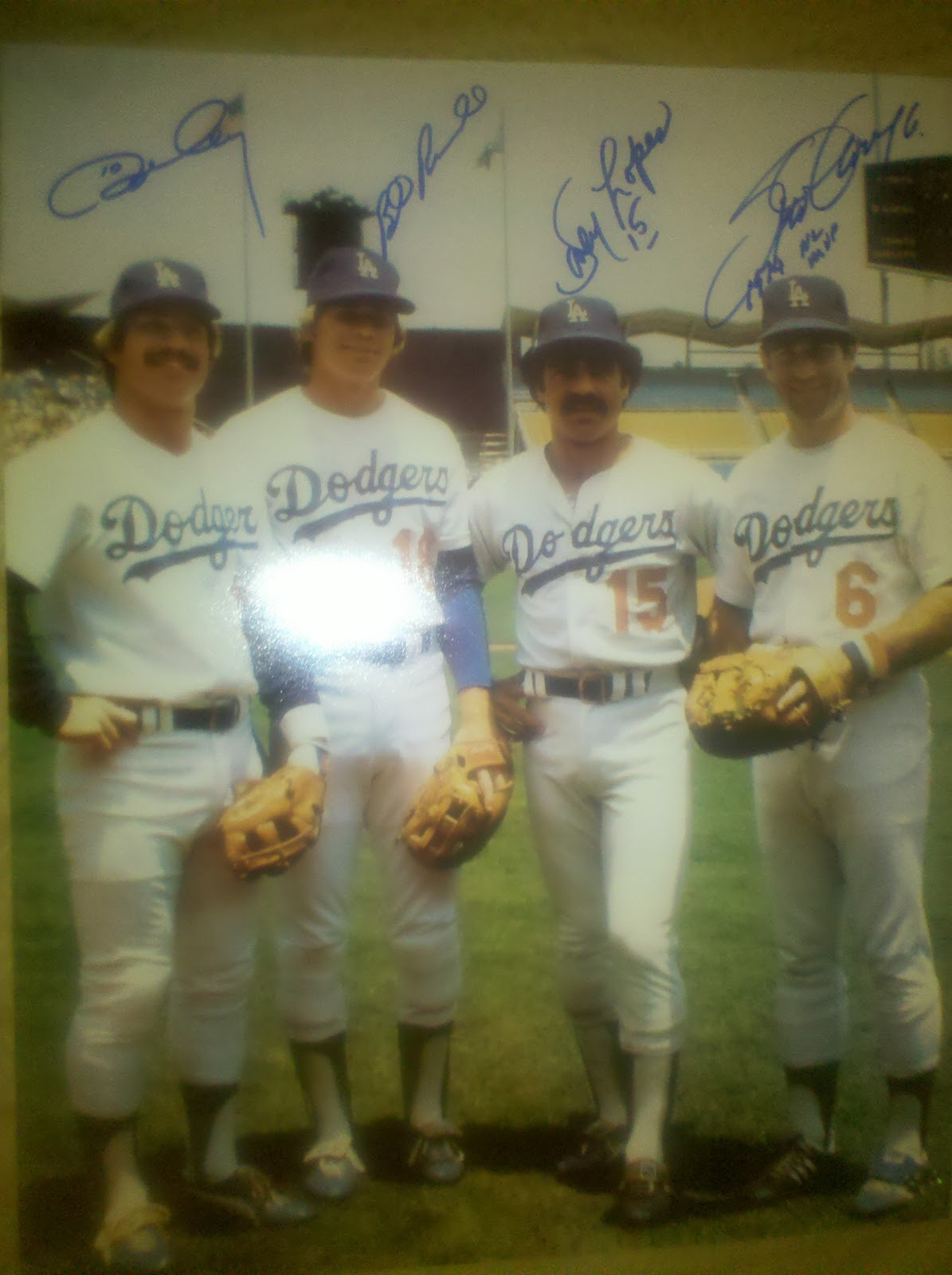 92e0e6b744e I posted info on the upcoming Tommy Lasorda signing which is part of Hall  of Fame Sports 1981 Dodger World Series Champion signing on November 5