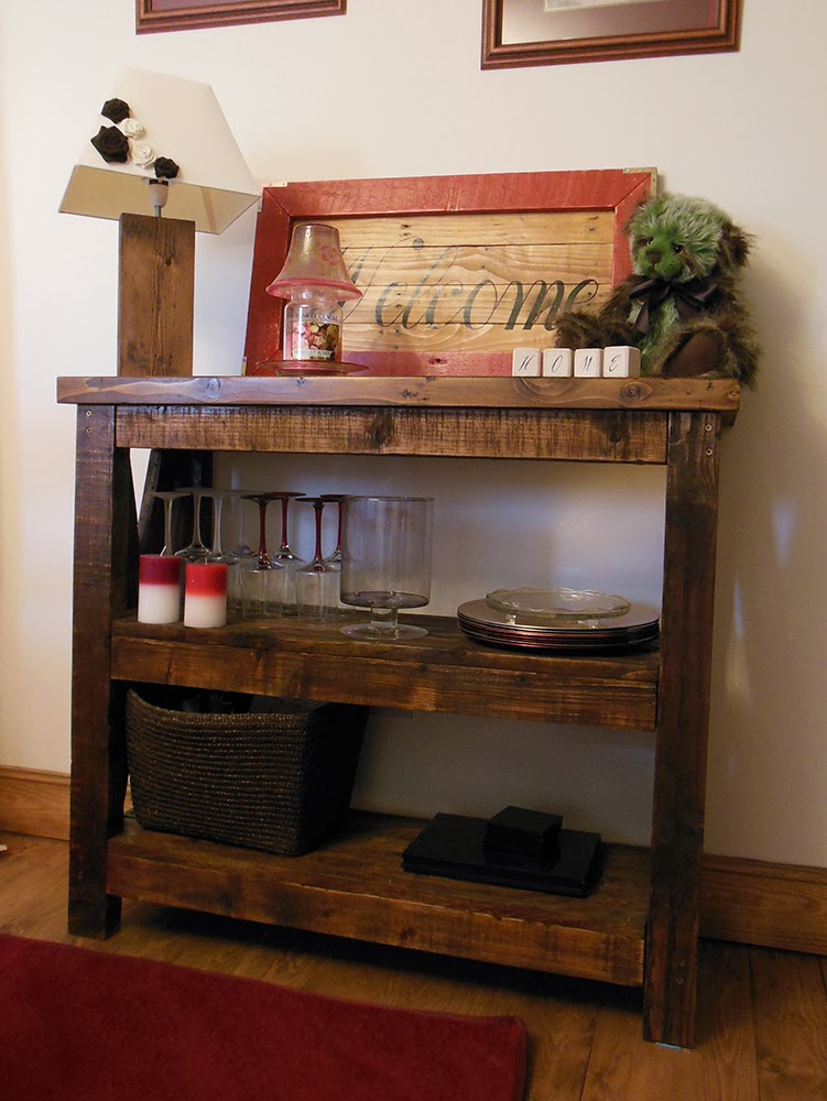 Coach House Crafting On A Budget Building With Pallets