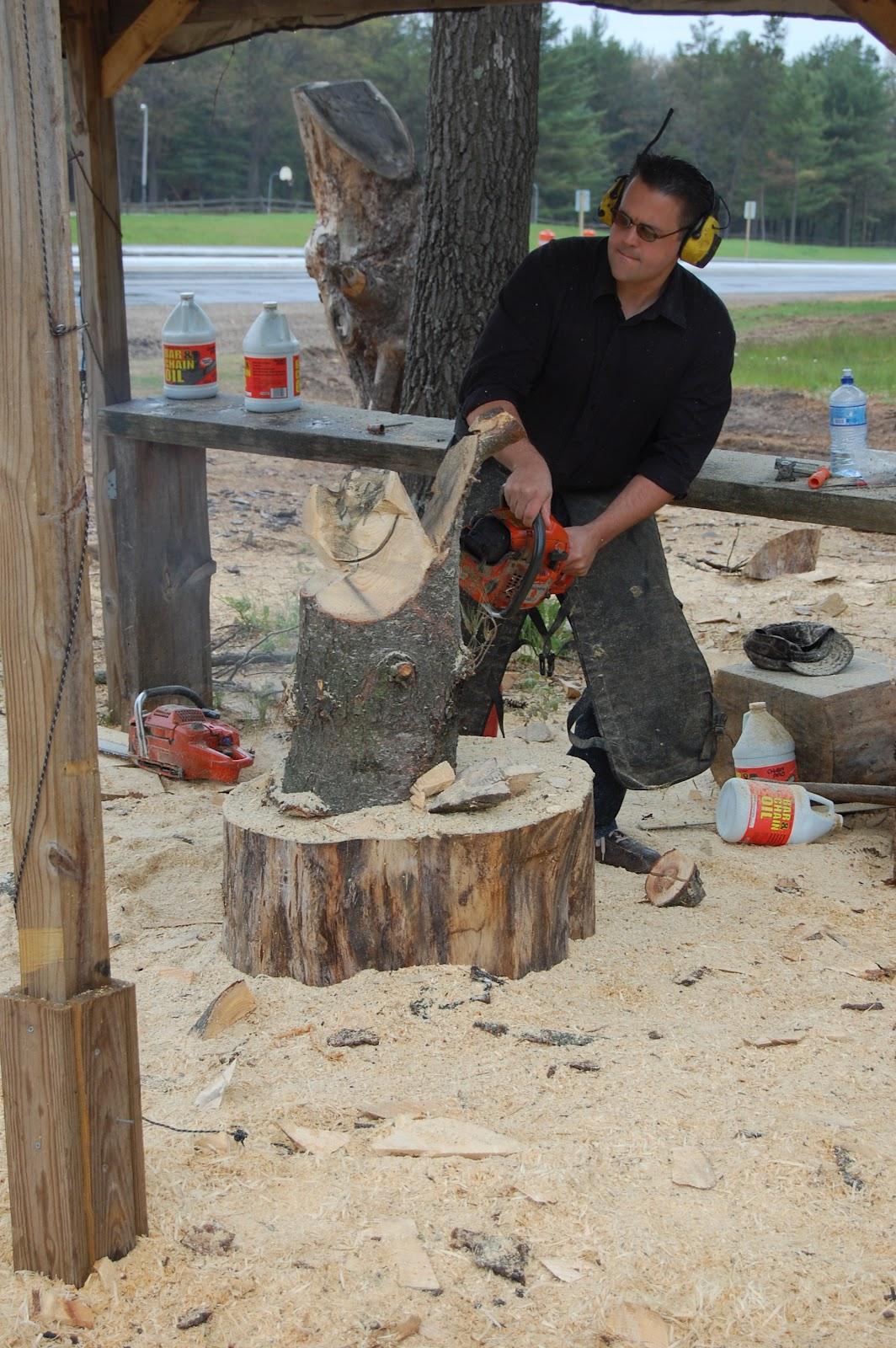 Dells bucket list carving a wood