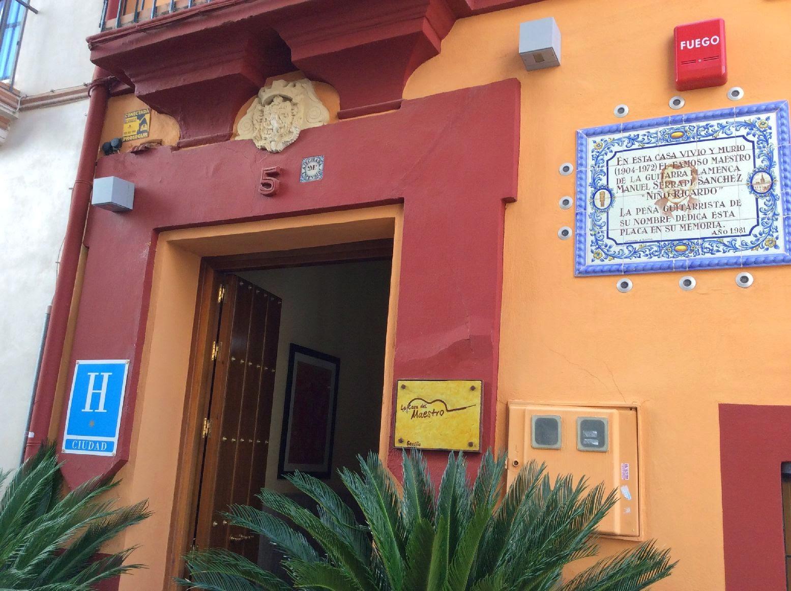 Sevilla daily photo la casa del maestro - La casa del maestro ...