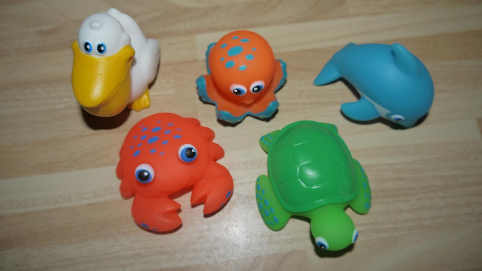 munchkin tower of squirters bath toys
