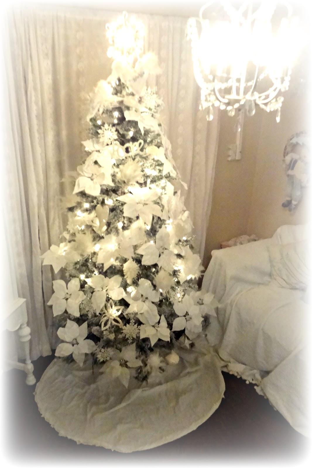 Not so shabby shabby chic christmas tree oh christmas tree - Navidad shabby chic ...