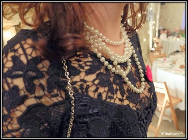 Robe Lipsy London, stilettos Manolo Blahnik, collier et bague vintages (de famille), clutch et boucles d'oreilles Parfois. Vernis Peggy Sage et rouge à lèvres Black-Up M17