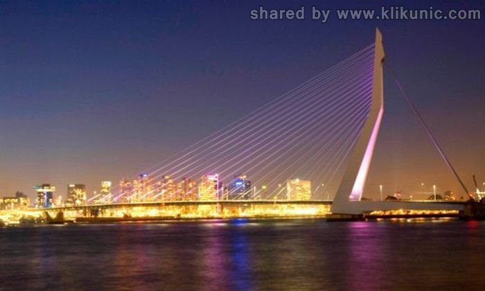 http://4.bp.blogspot.com/-UZzXW73K5eU/TXWaJqXSoKI/AAAAAAAAQRM/2Uea0Z9V-i8/s1600/bridges_13.jpg