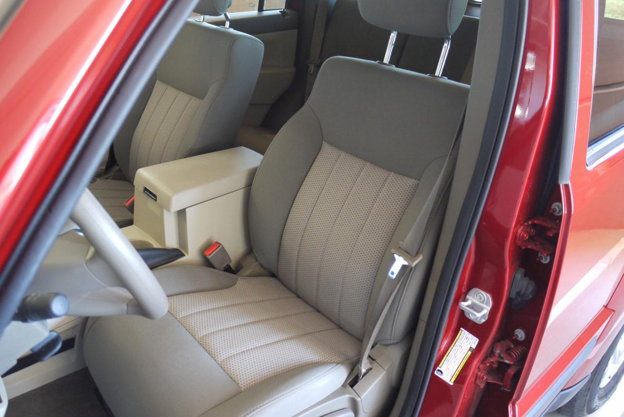 2010 JEEP LIBERTY SPORT SEAT DESIGN