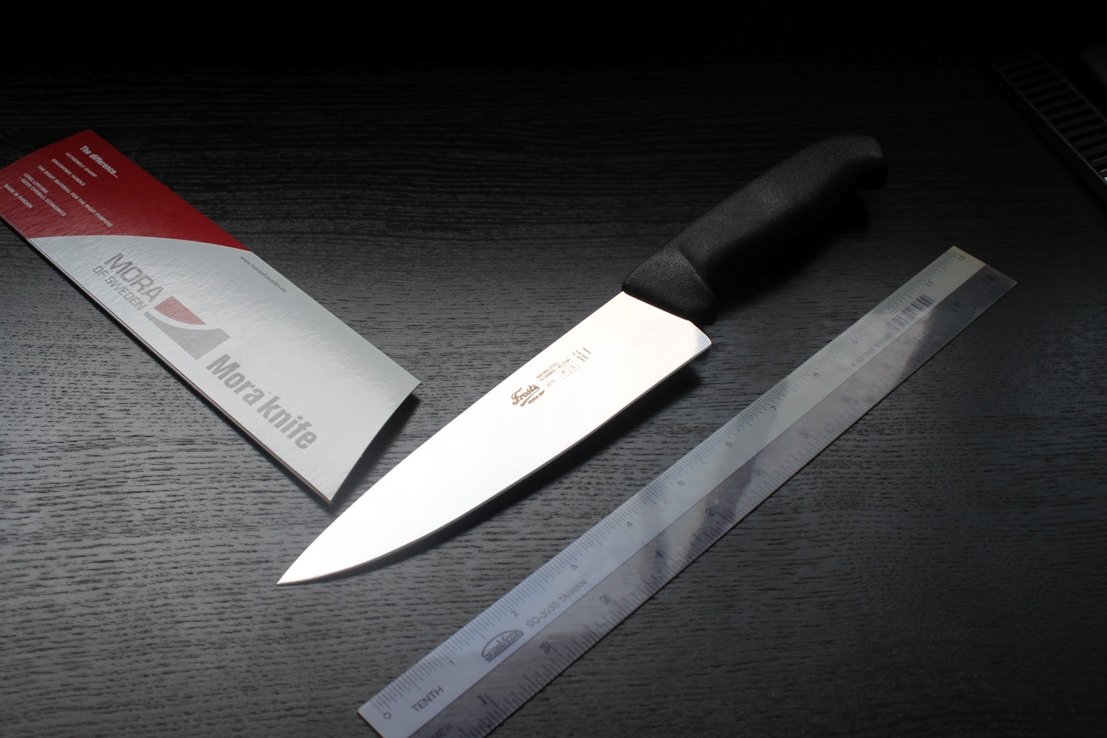 edge wise knives swedish steel from mora now in singapore chef 39 s knife black. Black Bedroom Furniture Sets. Home Design Ideas