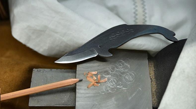 Magníficos cuchillos con forma de ballenas de Toru Yamashita