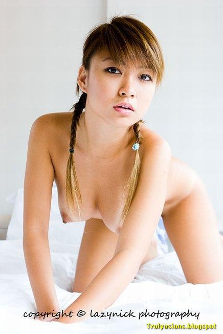 singapure-fhm-model-nude-girl