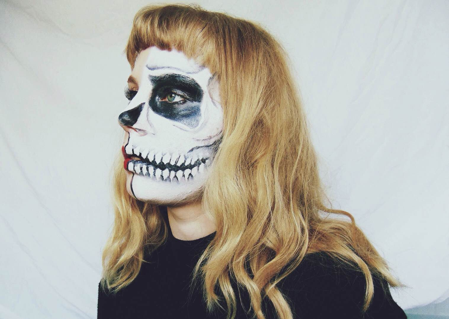 half skull makeup, half skull half pin up, halloween makeup, halloween face paint, skull face paint, halloween ideas girls, halloween makeup females, alternative halloween
