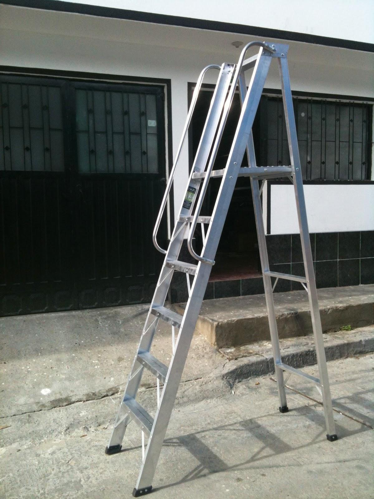 Escalera con plataforma escualizable for Escaleras con plataforma precios