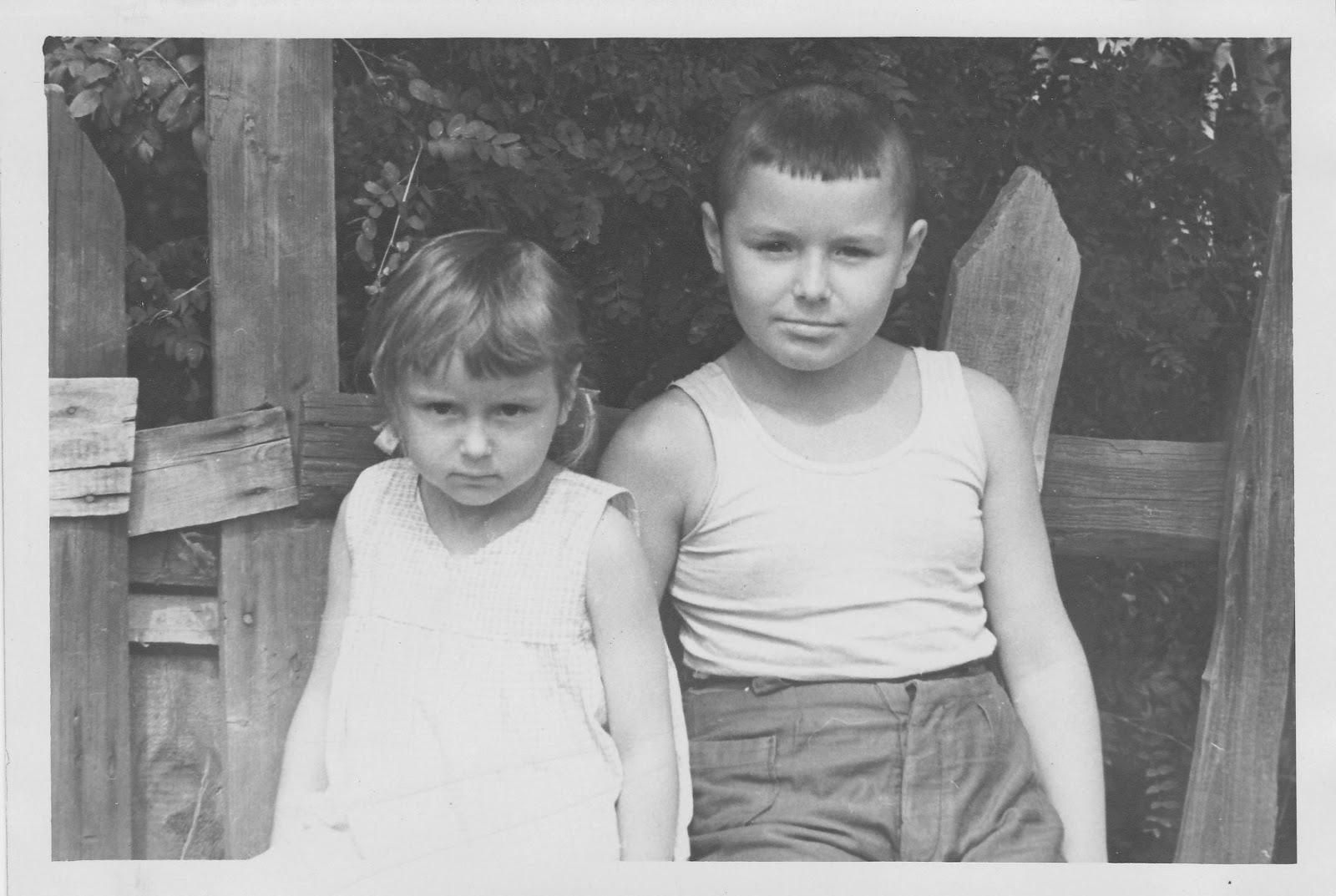 Старые тётки с мальчиками 19 фотография