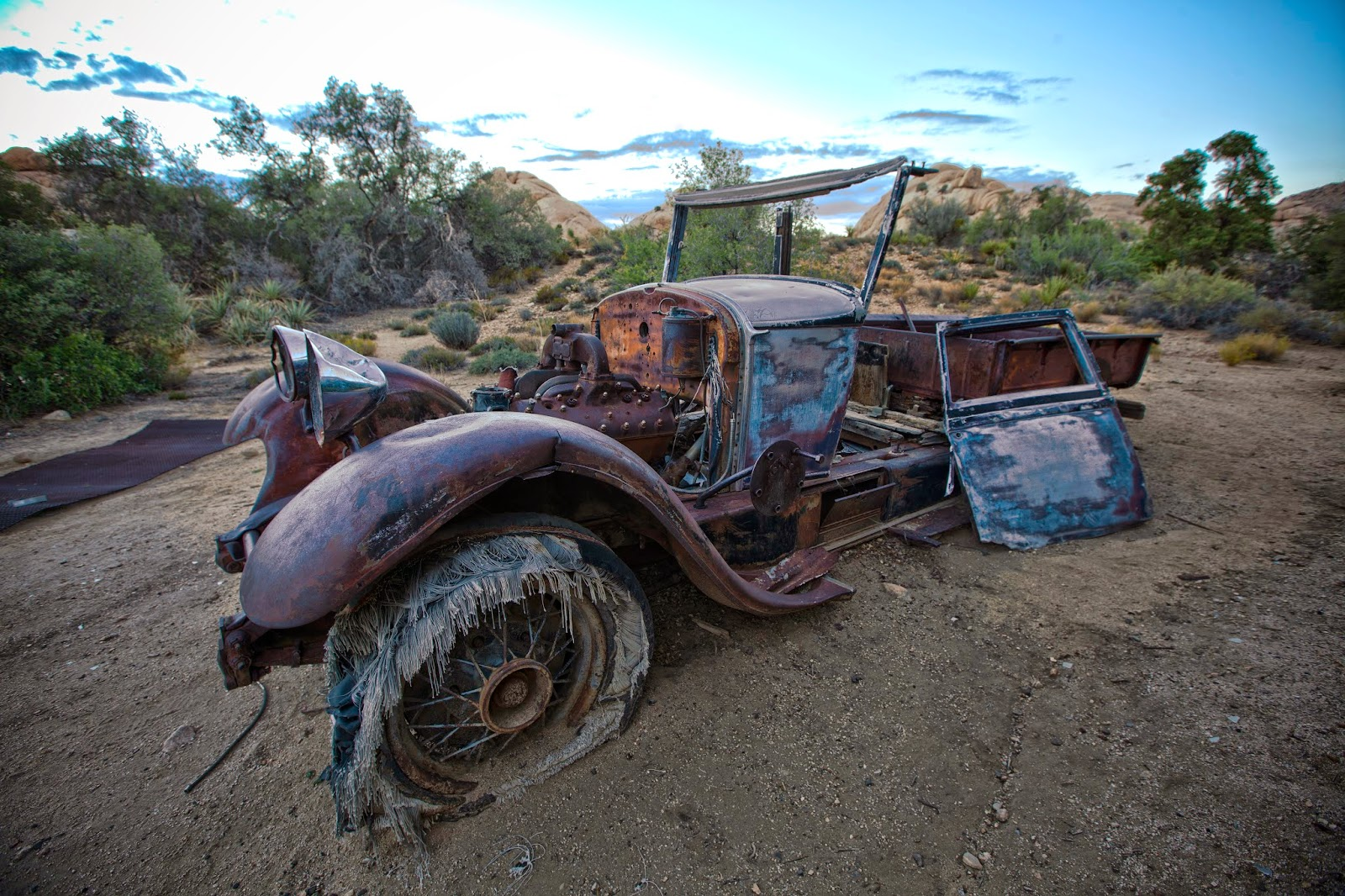 Spare Parts and Pics: Old Cars of Joshua Tree National Park