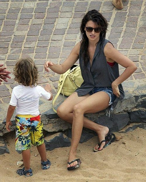 Sweet summertime! Penelope Cruz is taking full advantage of the sunshine in Spain  While going holiday with family in Tenerife on Wednesday, July 2, 2014, the 40-year-old opted for red swimsuit and looked smashing to her beauty diamond art curves.