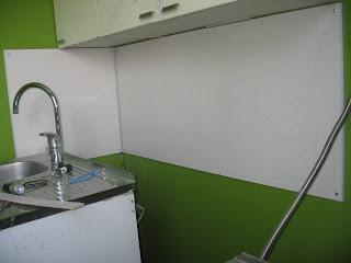 фартук на кухне из стеновой панели