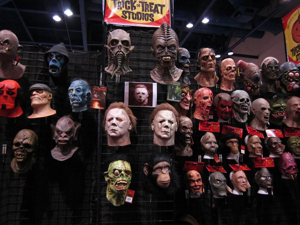 Trick or Treat Studios 2012 Halloween Expo Display | Blood ...