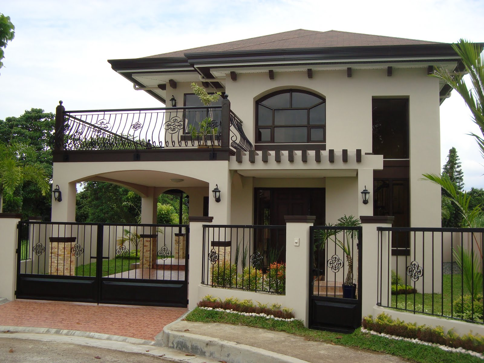 2 Storey House With Balcony Design Images