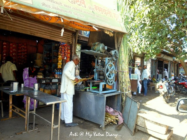 The natural coolant Sugarcane juice in Pune, Maharashtra