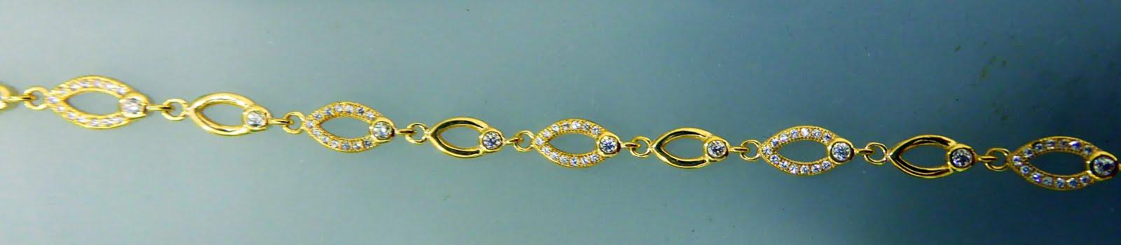 Elegante pulsera de plata dorada italiana