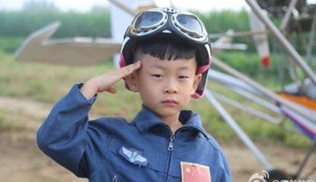 Menakjubkannya Seorang Bocah 5 tahun Menerbangkan Pesawat