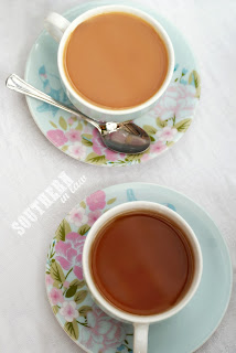 Organic Peppermint Tea and English Breakfast Tea with Milk