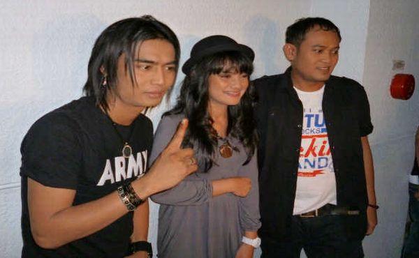 Personil Setia Band, Charly dan Pepeng Gaet Alsa