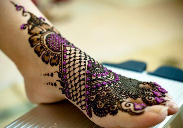 Mehndi Tattoo Peacock Feather : Trends hairstyle haircuts 2013: bridal mehndi designs 2012
