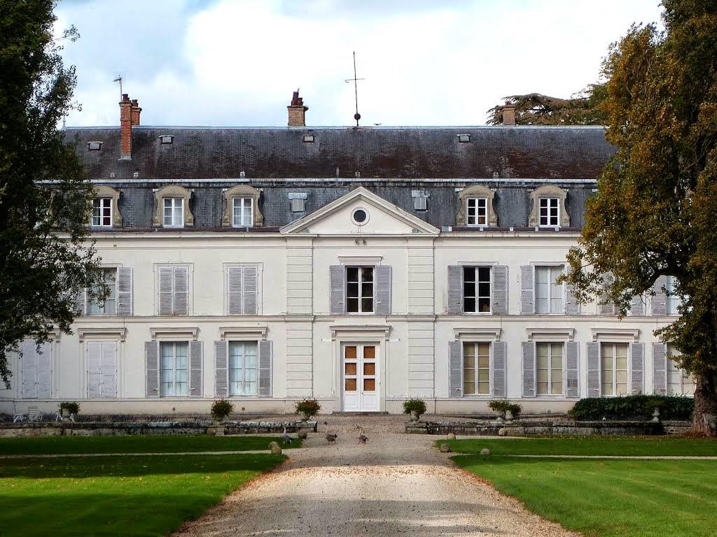 les chteaux royaux seigneuriaux et les villes royales historique en ile de france les chteaux construits dtruits chapitre n i - Chateau De Valnay Mariage