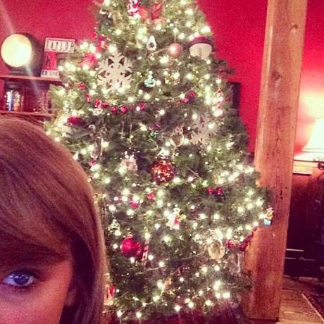 Berbagai  Pohon Natal Tercantik Milik Artis Hollywood