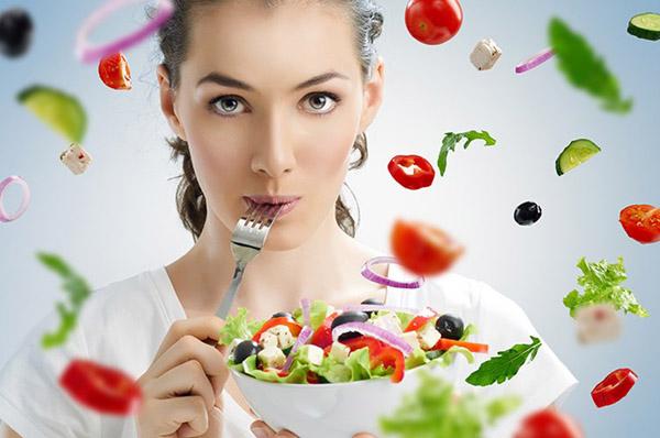 Có nên ăn kiêng sau khi sinh để giảm mỡ bụng không?