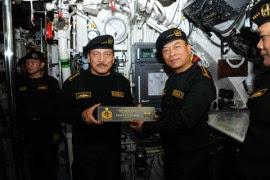 Panglima TNI Terima Brevet Kehormatan Hiu Kencana