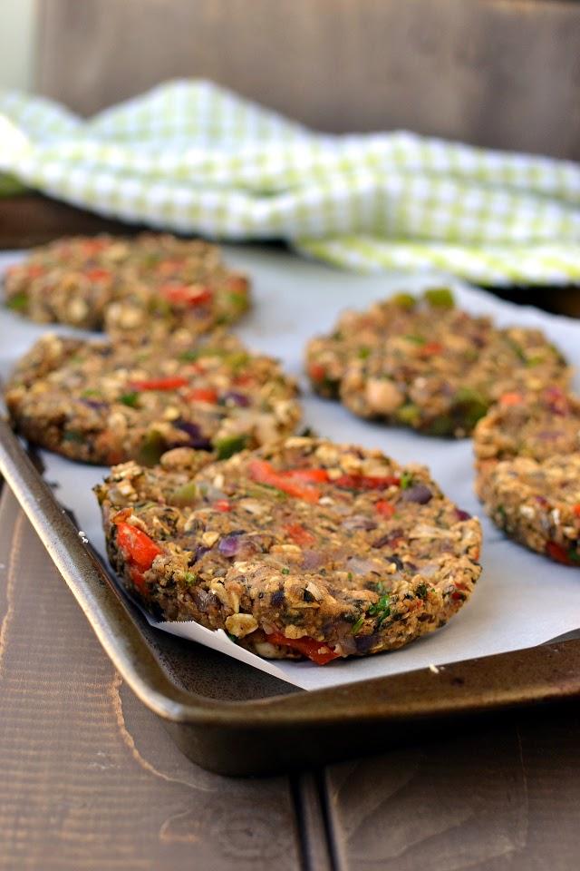 Veggie Burger Sandwich (Beans & Veggie Burger)