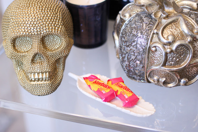 chic halloween decor  gold skull silver pumpkin