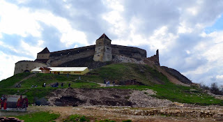 Photo Rasnov Citadel- Top fortress seen in the courtyard (the Lower Citadel)