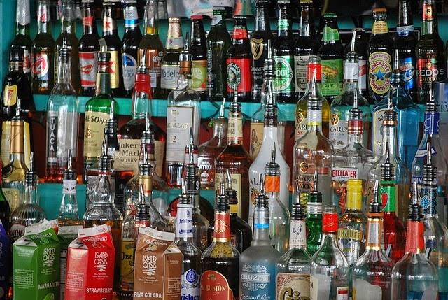 お酒、バーの画像