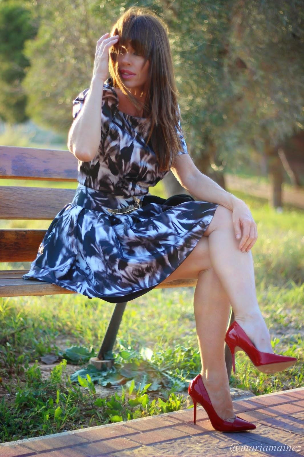 Elisabetta Franchi- Fall 2014 - Outfit Fall winter 2014 - Blogger Alicante- Stilettos Rojos -Buffalo LOndon