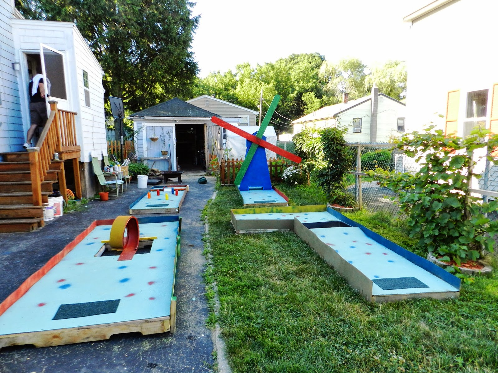 observations of a crazy world family stuff to share a mini golf
