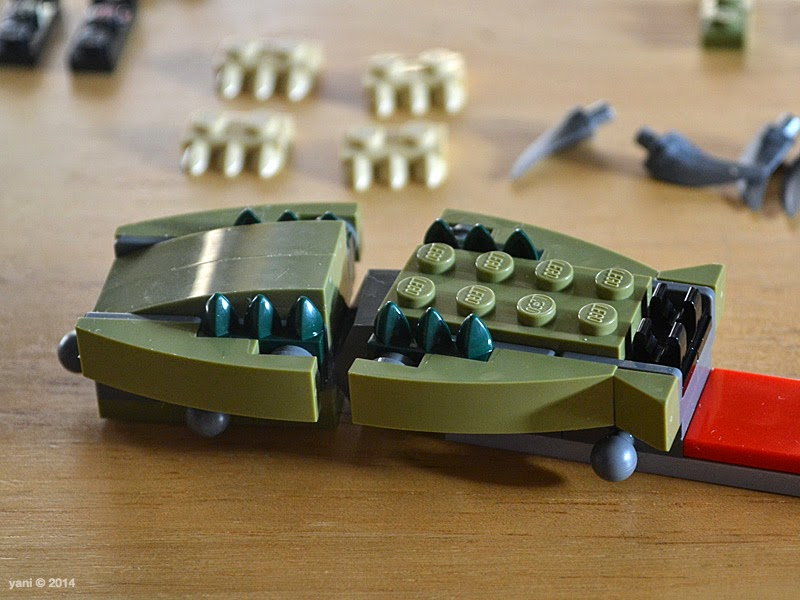lego chima legend beast crocodile - some olive and hunter green sidewall action