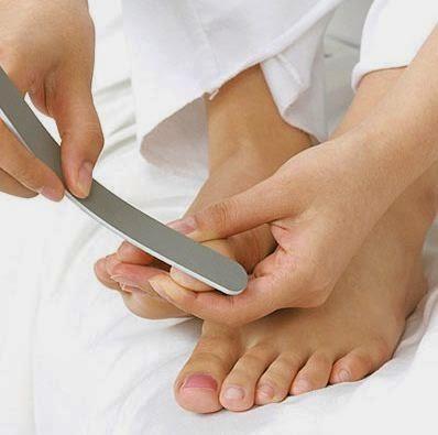 cara menikur pedikur manicure pedicure menipedi kuku sendiri di rumah langkah tips hasil seperti salon
