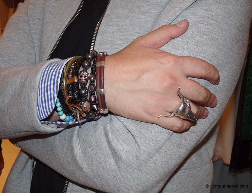 como-una-aparicion-street-style-men-fashion-accesories-bracelets-rings-moda-masculina-accesorios-hombres-estilo