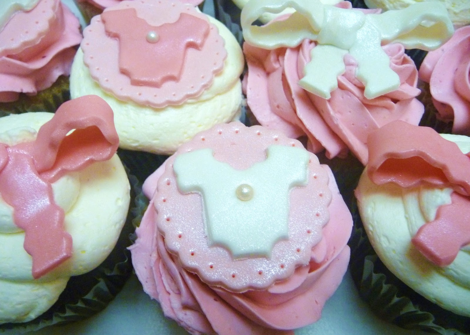 Pictures Of Baby Shower Cupcakes