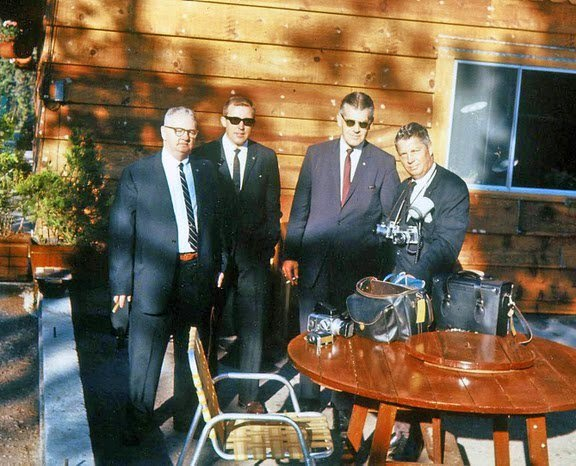 """Agents """"Muggsy"""" O'Leary, Jerry Blaine, and SAIC Jerry Behn with White House photographer Stou"""
