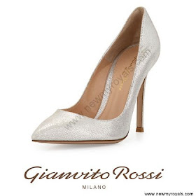 Crown Princess Mary Style GIANVITO ROSSI Crackled Pumps and ZIMMERMANN Seer Snake Dress