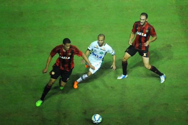 Nos pênaltis, Sport vence e elimina a Chapecoense da Copa do Brasil.